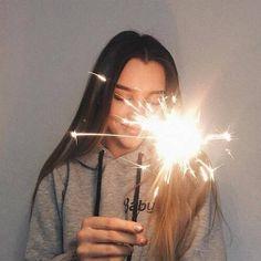 Картинка с тегом «girl, tumblr, and light»