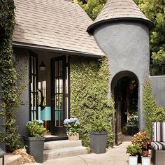 Roofing Material Guide: Tips and cost guides for remodeling your roof