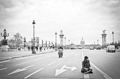 Paris - Le pont des invalides en noir et blanc