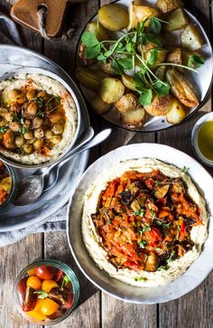 Skakshuka Hummus and Hummus Love (vegan & gluten free). A super easy & healthy recipe packed with flavour. Perfect for a quick lunch or dinner. Healthy Food Blogs, Easy Healthy Recipes, Eating Healthy, My Favorite Food, Favorite Recipes, Dips, Healthy Afternoon Snacks, Israeli Food, Food Spot