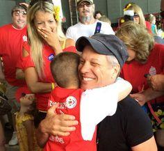 Jon Bon Jovi and his fans  Mario Carpino