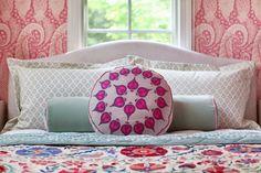 i suwannee: a pink paisley bedroom