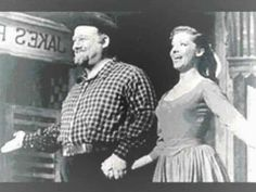 Burl Ives 'Big Rock Candy Mountain' (+playlist)