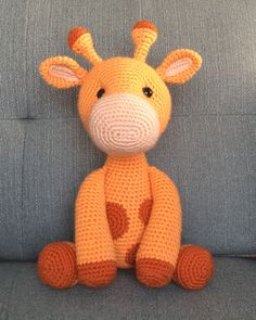 haken Ginnie the Giraffe is the fourth pattern in a series of six safari amigurumi animals I'm making for my nephew, Charlie! Check out her friends Harriet the Hippo, Laurence the Lion, and Zan Crochet Giraffe Pattern, Crochet Amigurumi Free Patterns, Crochet Animal Patterns, Stuffed Animal Patterns, Crochet Animals, Free Crochet, I Love This Yarn, Yarn Tail, Crochet Projects