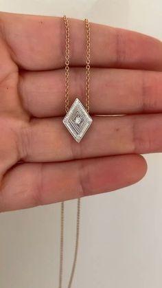 Diamond Jewelry, Gold Jewelry, Jewelry Accessories, Vintage Jewelry, Fashion Accessories, Jewelry Necklaces, Fashion Jewelry, Jewlery, Art Deco Diamond