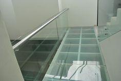 PISOS Y ESCALERAS DE CRISTAL TEMPLADO en Guadalajara   Aluminio y Complementos Guadalajara Glass Walkway, Glass Bridge, Frosted Glass, Tile Floor, Stairs, Flooring, Loft, Patio, Home Decor