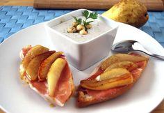 Ajo blanco con tostas de pera y jamón
