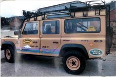 Land Rover Discovery with Camel Trophy Decals