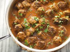 Potluck Meatballs — The pioneer woman