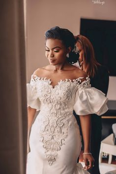 Ibikuno and Ayoola's white wedding was super sweet. Each moment of their wedding ceremony will have you double-tapping to like in a moment. Lace Styles For Wedding, Plus Wedding Dresses, Lace Dress Styles, Bridesmaid Dresses, African Wedding Dress, Latest African Fashion Dresses, African Dresses For Women, African Weddings, Shower Dress For Bride