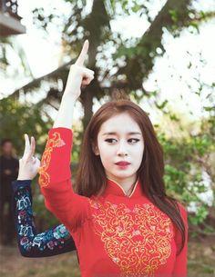Mê mẩn với 2 thành viên T-ara Jiyeon và Soyeon mặt áo dài truyền thống của Việt Nam   Ohzui.com