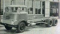 1961Introductie van de AS 2000 DO, een nieuw model met naloopas, bedoeld voor zwaar transport.