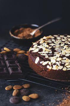 Healthy Vegan Chocolate & Almond Cake Recipe
