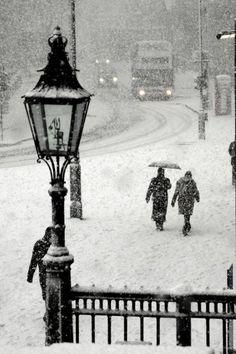 Trafalgar Square snow