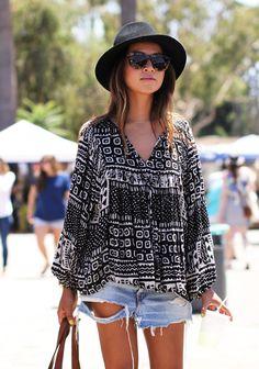 shorts/blouse/sunnies