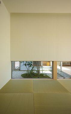和室地窓 Traditional Japanese House, Japanese Modern, Japanese Interior, Japanese Design, Japanese Architecture, Architecture Design, Washitsu, Tatami Room, Zen House