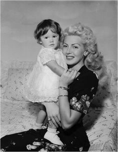 Lana Turner with her daughter Cheryl