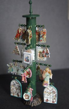 """Les Petits Papiers"". Xmas cards display"