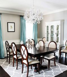 What Color Rug Goes With Cherry Dining Room Table