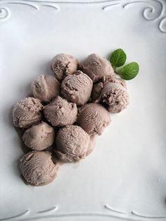 Spiced Concord Grape Ice Cream recipe by Very Small Anna