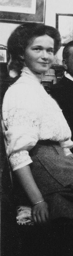 Grand Duchess Olga Vintage Portraits (People)