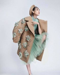 Fashion Photography Creative Haute Couture New Ideas Fashion Details, Look Fashion, Trendy Fashion, Fashion Art, High Fashion, Womens Fashion, Fashion Design, Fashion 2018, Spring Fashion