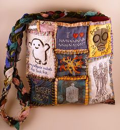 and her Doctor Who bag - by SheepBlue at craftster - just too cool ---------- It's bigger on the inside - Dr Who Travels with Teesha Moore! - PURSES, BAGS, WALLETS#msg4814502#msg4814502