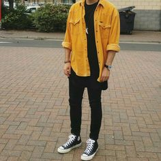 Vintage Mustard Shirt, Extended Black T-Shirt, Skinny Jeans and Converse.G -WIWT: Vintage Mustard Shirt, Extended Black T-Shirt, Skinny Jeans and Converse. Mode Outfits, Casual Outfits, Fashion Outfits, Fashion Trends, Fashion Black, Edgy Mens Fashion, Fashion Menswear, Swag Outfits, Hipster Outfits Guys