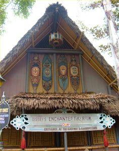 Disneyland Tiki Room Disney Magic, Disney Art, Disney Pixar, Tiki Totem, Tiki Tiki, Disneyland Today, Vintage Disneyland, Outdoor Grill Area, Disney World Rides