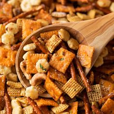 Get the party started with a giant bowl of this salty, crunchy Italian Chex mix! It's tossed in a buttery Italian herb sauce and grated parmesan cheese. Snack Mix Recipes, Cooking Recipes, Snack Mixes, Dessert Recipes, Perfect Pot Roast, Apps, Butter Sauce, Food Print, Italian Recipes
