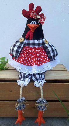 Discover thousands of images about Fabricated Cottage Chicken Crafts, Chicken Art, Fabric Crafts, Sewing Crafts, Sewing Projects, Cute Crafts, Diy And Crafts, Chicken Quilt, Chicken Pattern