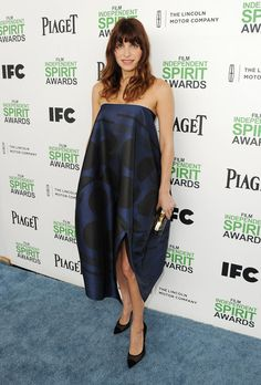 Lake Bell Photos - Actress Lake Bell attends the 2014 Film Independent Spirit Awards at Santa Monica Beach on March 2014 in Santa Monica, California. Spirit Film, Lake Bell, Spirit Awards, Film Awards, Independent Films, Red Carpet Dresses, Style Icons, Stella Mccartney, Strapless Dress