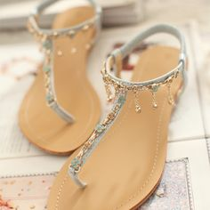 Price:$38.00 Color: Pink/Light Blue Style: Elegant Latest Elegant Floral Fringed Thong Sandal