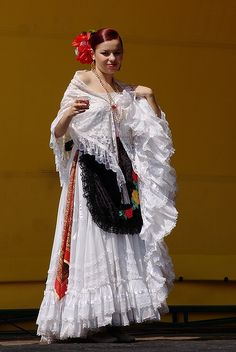 Mexican girl at a Romanian music festival   http://www.mexicanfoodnames.com/
