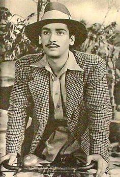 Throw back photo of Shammi kapoor ji Shammi Kapoor, Indian Star, Vintage Bollywood, Ancient Symbols, Indian Movies, Bollywood Stars, Famous Faces, Bollywood Actress, Mumbai