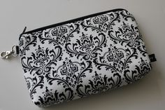 Need a little help keeping organized? Have a look at our #WaterResistant #GadgetBag. https://www.etsy.com/listing/70221731/new-water-resistant-large-padded-zipper?ref=shop_home_active_24