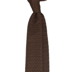 Viola Milano gives men an opportunity to express their own uniqueness and personality with individual twists to their outfits. Bowties, Luxury, Brown, Handmade, Accessories, Outfits, Shopping, Fashion, Tie Bow