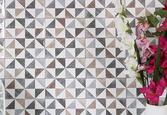Vægflise Thai Nube er en vægflise i forskellige farve-nuancer som er en del af serien Fusion fra Spanske Vives. Og anvendes til vægge indendørs.