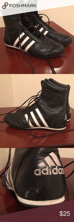adidas Sneakers Cute addidas sneakers in used condition. Pics show wear on heels. Comfortable shoes. adidas Shoes Sneakers