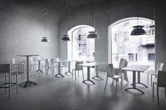 Tavoli e sedie minimali / minimal tables and chairs photo auber.it photo auber.it