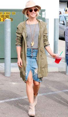 Casual summer style: parka jacket + grey shirt + denim skirt + nude booties.