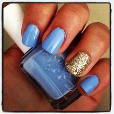 Sparkle accent nail. #essie #bikinisoteeny