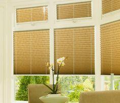 Beneficiile de a avea jaluzele plisate sunt că ele te ajuta să îți dau rămâne rece birou și interior casa limitele bugetului. Cu ajutorul ei, puteți controla cu ușurință cantitatea de lumina soarelui care vine in camera.