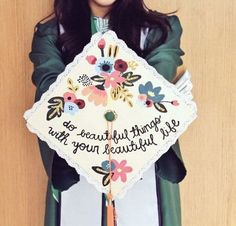 Awesome graduation cap decoration ideas. graduation hat designs.