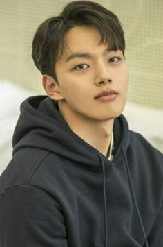 Awesome and Handsome Yeo jin_goo Kim Hee Won, Jin Goo, Handsome Korean Actors, Korean Drama Movies, Lee Jong Suk, Korean Celebrities, Hot Boys, Dramas, Actors & Actresses