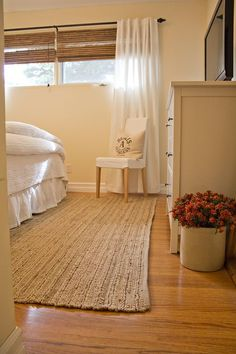 the magic trick that will solve your small window problem dec r basement window treatments. Black Bedroom Furniture Sets. Home Design Ideas