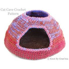 Cat Cave Crochet Pattern Chat Crochet, Crochet Yarn, Crochet Toys, Free Crochet, Dog Crochet, Ravelry Crochet, Cat Cave Crochet Pattern, Knitting Patterns, Crochet Patterns
