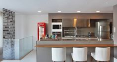 cozinha-com-churrasqueira-moderna-espa%C3%A7o-gourmet-decor-salteado-10.jpg (942×504)