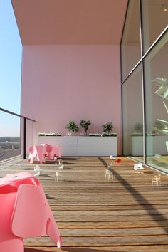 Vitra Loft meets Alice im Wunderland Rose Quartz Serenity, Loft, Blog Love, Year 2016, Color Of The Year, Pantone Color, Alice, Sweet Home, Stairs