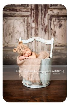 newborn baby, photography, blue bucket, sibling photography, Christmas